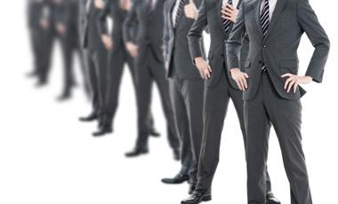 設置する人員はネットワーク工事を得意とする会社です。